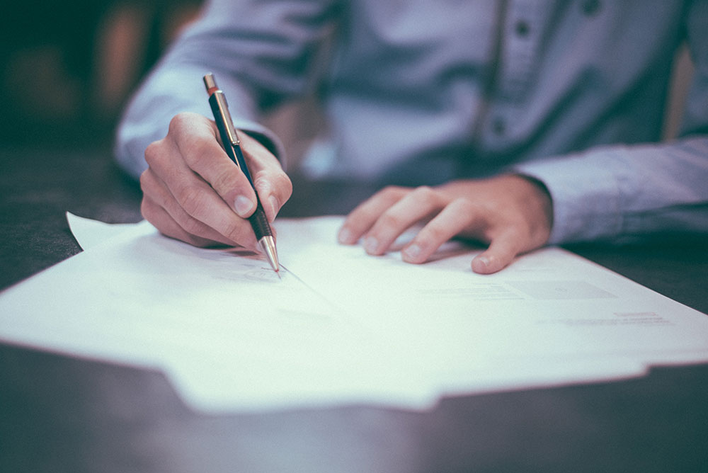 negotiate renewal terms before committing to an extra term on a commercial tenancy lease
